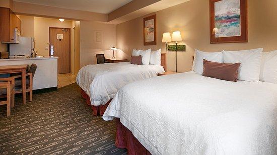 Best Western Plus Navigator Inn & Suites: Double Queen Room