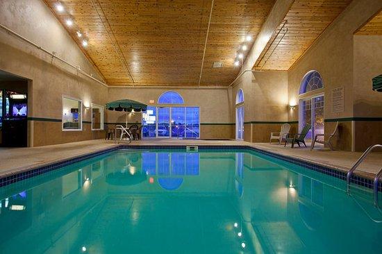 CountryInn&Suites Buffalo Pool