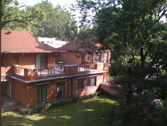 Gokarna Forest Resort: A view of one wing from the room
