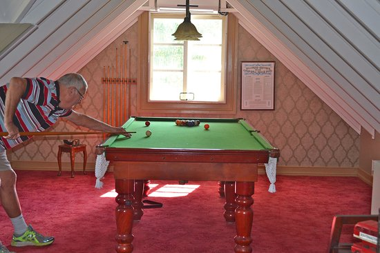 Sunshine Coast, Australia: A pool table upstairs!