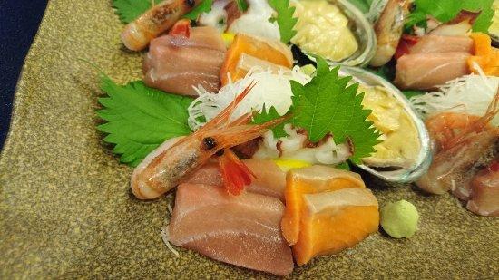 Ishikari, Japon : 夕食のお刺身・・・アワビもあります