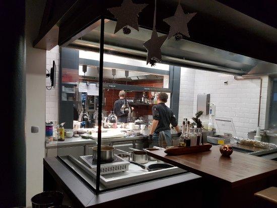 Ein Blick in die Küche... - Bild von Max Louis, Chemnitz - TripAdvisor