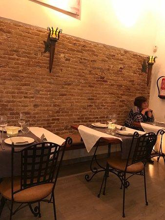 Pau Claris 190 Restaurant