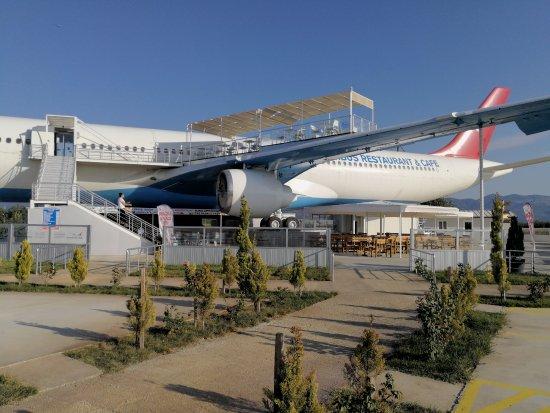 Burhaniye, Turquía: Airbus restaurant & cafe