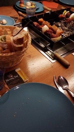 Vlaardingen, The Netherlands: Zelf aan de slag nadat je groente, vlees en vis hebt gepakt uit een uitgebreid assortiment.