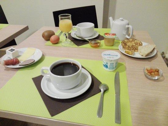 HOTEL LE BON CAP : petit déjeuner