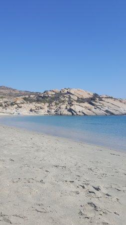 Manganari Beach: Ultima cala di Manganari