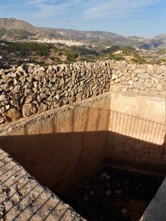 Muros Exteriores Picture Of Castillo De Polop Polop Tripadvisor - Muros-exteriores