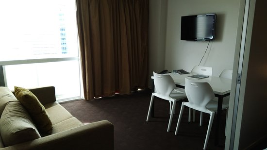 The Quadrant Hotel and Suites Auckland Image