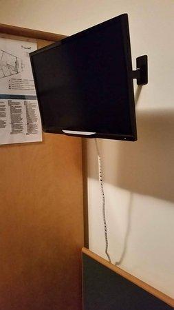 Sam Hotel: Integrazione cavo tv a muro