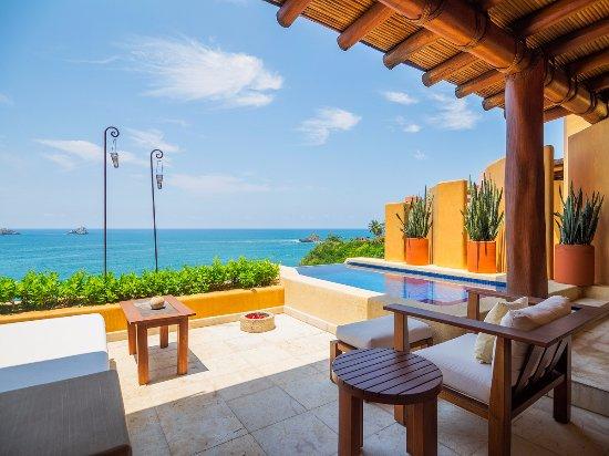 Cala de Mar Resort & Spa Ixtapa: Family Two Bedrooms Suite