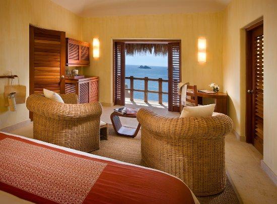Cala de Mar Resort & Spa Ixtapa: Cala de Mar Penthouse Master Suite