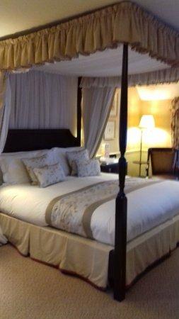 إلينبورو بارك: Room 27