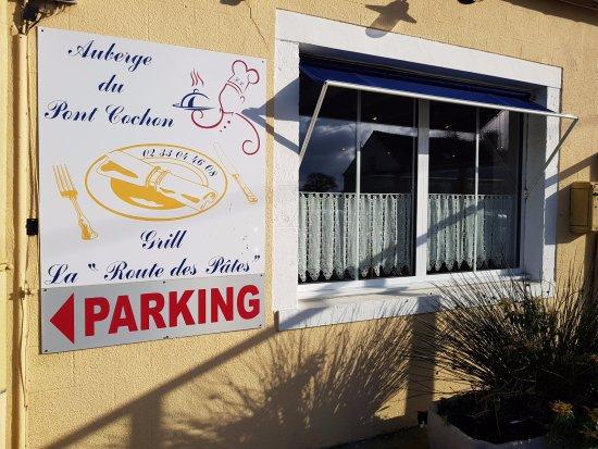 Flottemanville, France: Nom du restaurant.