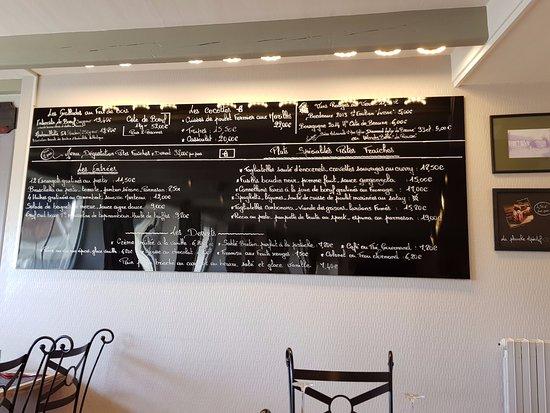 Flottemanville, France: carte affichée sur le mur