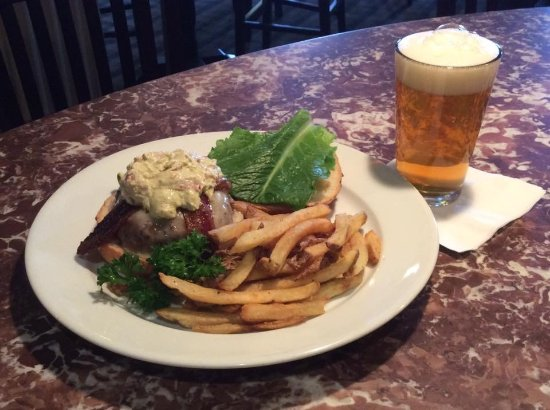Middlebury, VT: Boyden Beef burger and a local draft beer available during lunch or dinner