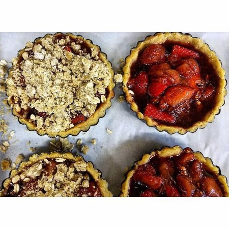Middlebury, VT: Freshly baked desserts available