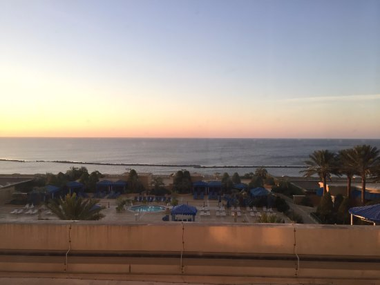 Beau Rivage Resort & Casino Biloxi: Pool and Gulf