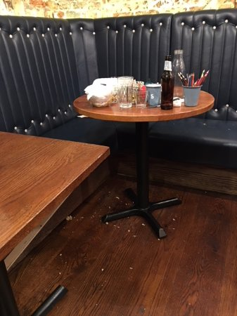 Gourmet Burger Kitchen : Eat here, and you too can sit next to this disgusting mess for 30 minutes.