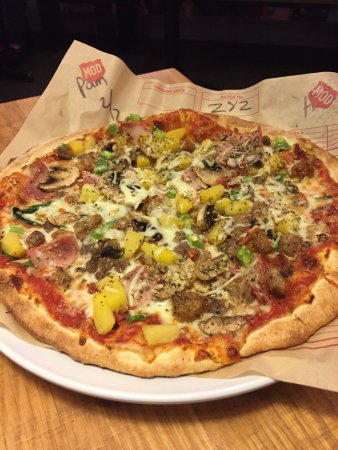 Mod Pizza: photo1.jpg