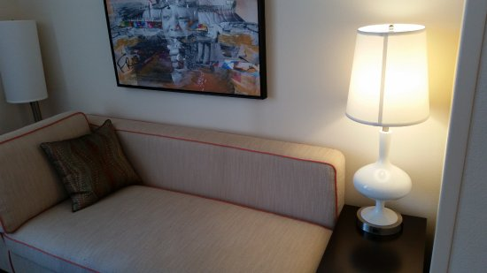 Home2 Suites By Hilton Atlanta Downtown: Lounge/Sofa Bed