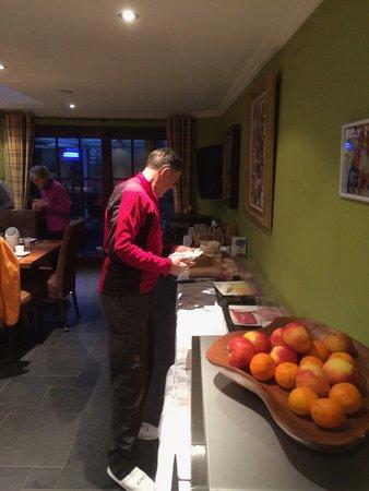 Hamont-Achel, Belgien: Ontbijtbuffet