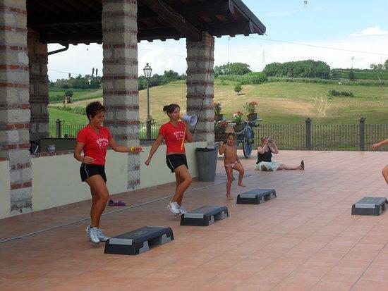 Cereseto, Italy: fitness in terrazza - le istruttrici