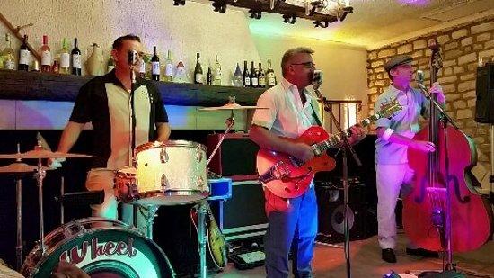 Balagny-sur-Therain, Frankrike: super soirée avec les wheel caps !