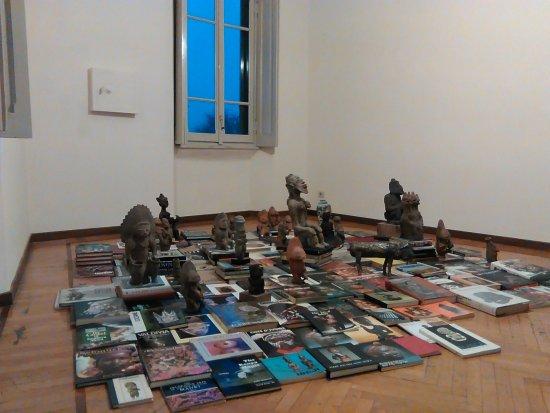 Casa Testori: Biblioteca e reperti precolombiani,pasione senile di Testori