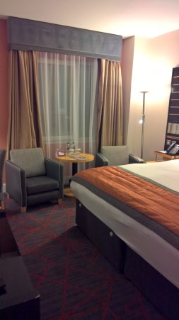 Crowne Plaza Hotel Dublin Airport: room