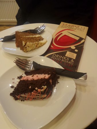 Aberdare, UK: The Cakes