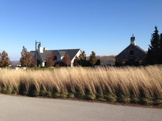 Vineland Estates Winery : Exterior view