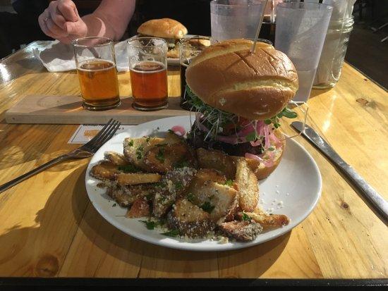 Columbia Falls, MT: Nice food