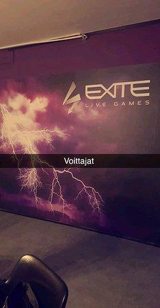 EXITE Live Games: Hauskaa ajan vietetttä! Henkilökunta ohjeistaa hyvin  ja pitää  huolen että,  kaikilla on helppo