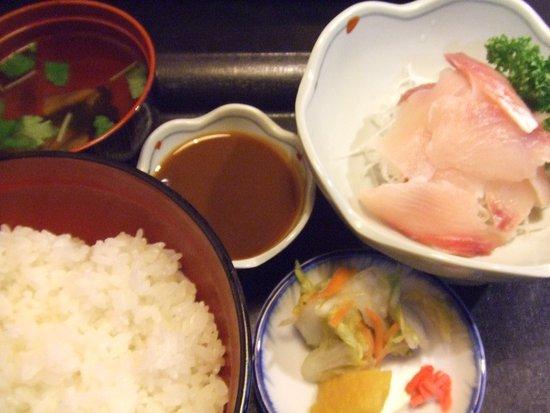 Hanyu, Japan: 鰻のあらい定食