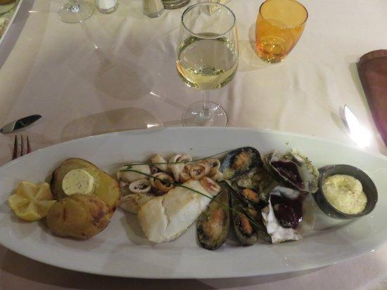 Hotel Restaurant Mediterranee Port-La-Nouvelle: Assiette de la criée du restaurant de l'hotel