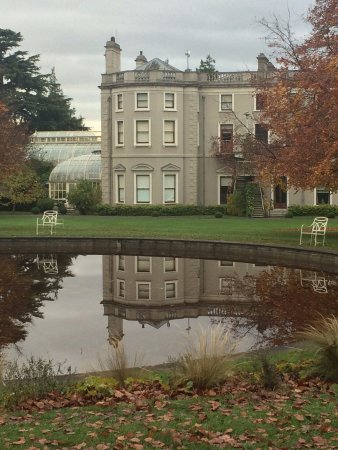 Farmleigh House and Estate: Farmleigh House and pond