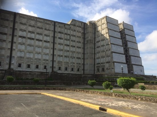 Faro A Colon: The Structure