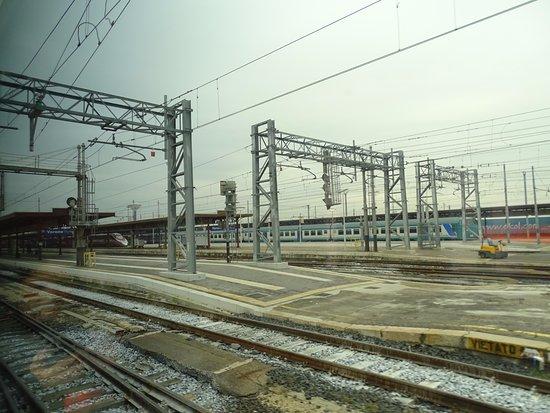 Verona porta nuova railway station olaszorsz g rt kel sek - Mezzi pubblici verona porta nuova ...