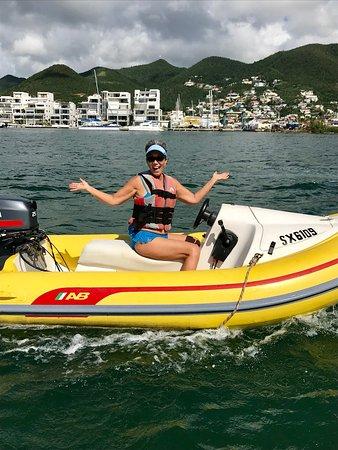 bahía de Simpson, St. Maarten: Rhino Riders out to Creole Rock