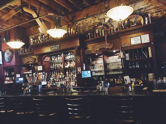 Four Daughters Irish Pub: photo1.jpg
