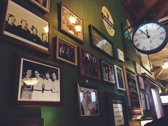 Four Daughters Irish Pub: photo2.jpg
