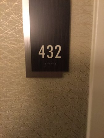 DoubleTree by Hilton - Washington DC - Crystal City: Welcome To Room #432