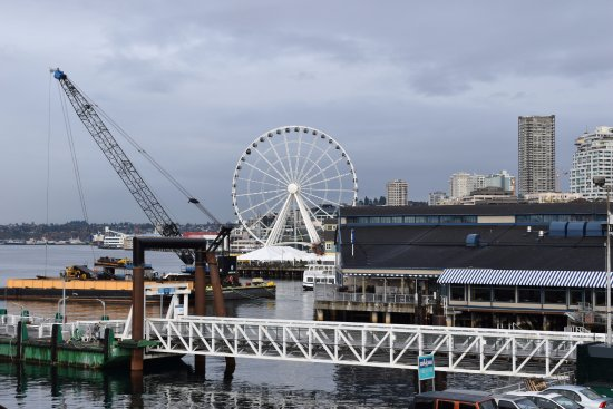 Washington State Ferries: The ferris wheel and looking north from the slip.