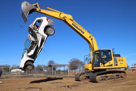 Pottsboro, Teksas: Great fun tossing a car around