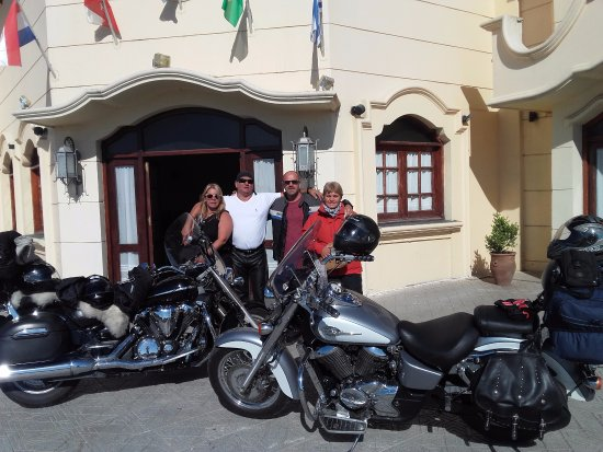Hotel Santa Catalina: salida del hotel....