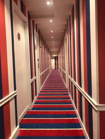 colourful halllway decor picture of hotel 34b astotel paris tripadvisor. Black Bedroom Furniture Sets. Home Design Ideas