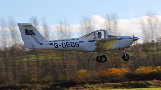 Welshpool Flying School: Approach at Welshpool Airport