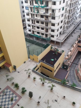 Palmeras Playa: first floor amenities, appeared disused, except for plants