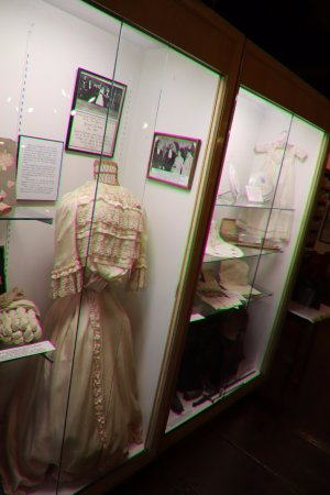 Sugar Hill Historical Museum: How they dressed in the past